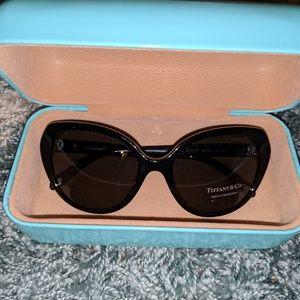 NWT Tiffany cat eye sunglasses